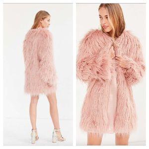 UO Kimchi Blue NWT Stella shaggy faux fur coat S